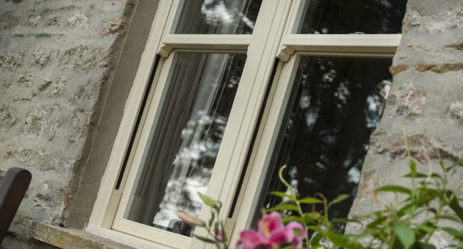 upvc-sliding-sash window exterior white