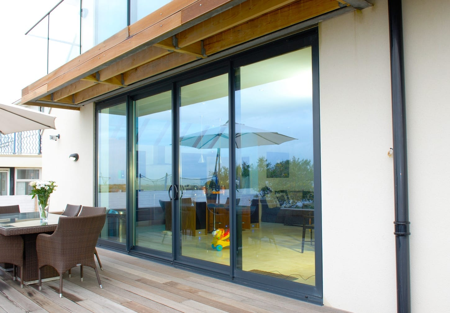 Aluminium sliding patio doors for trade award winning for Sliding door manufacturers