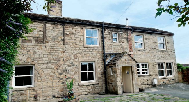 Semi-detached - Liversedge - Full Exterior