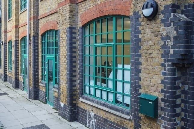 Slim Aluminium Windows in green